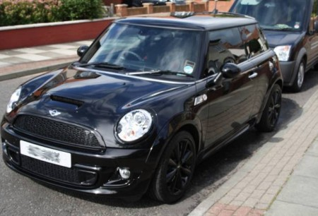 Black Mini Cooper S - Top Up Detail. Finished with Zymol Glasur.